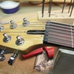 neck fretless 4